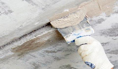 Как заделать швы на потолке
