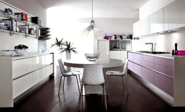 круглый стол на кухне