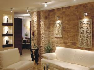 Декоративный искусственный камень в интерьере