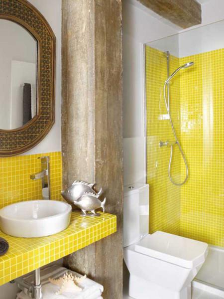 желтый цвет в интерьерах ванных комнат