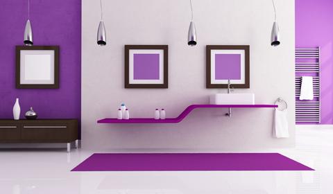 Фиолетовый потолок в интерьере