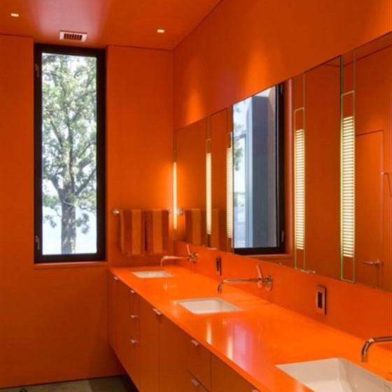 Интерьер ванной оранжевого цвета