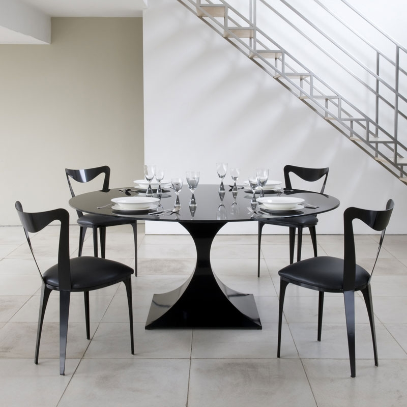 Купить красивый стол на кухню