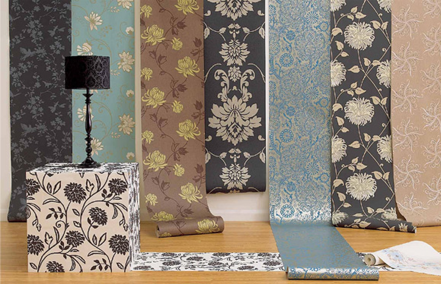 Postremont for B q living room wallpaper
