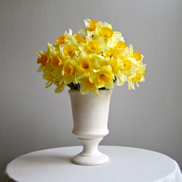 настольные вазы в интерьере