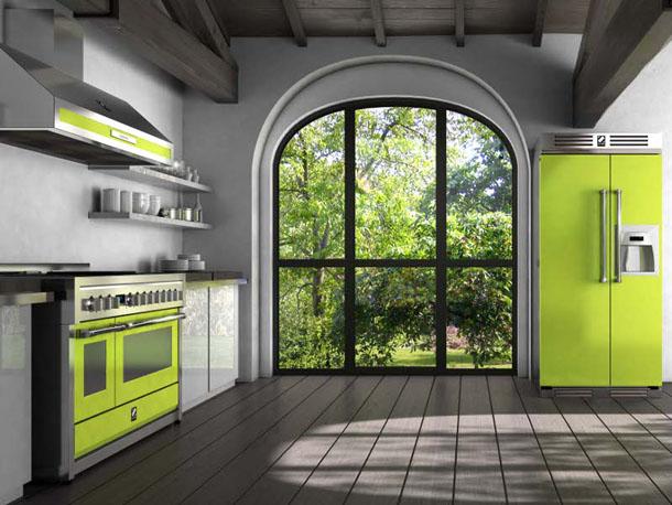 зеленый холодильник на кухне