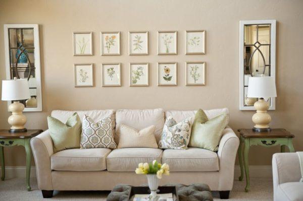 картины в гостиную над диваном