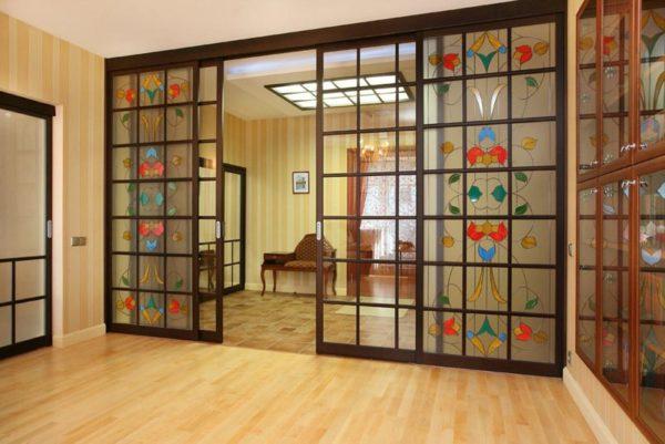 mezhkomnatnye-okna-v-interere
