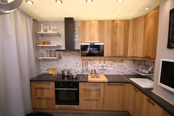 Где расположить телевизор на кухне