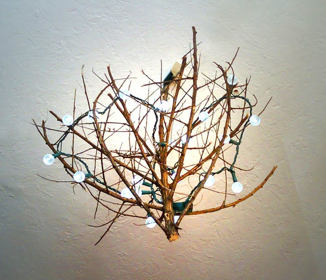 Светильник из прутьев деревьев своими руками с фото 2