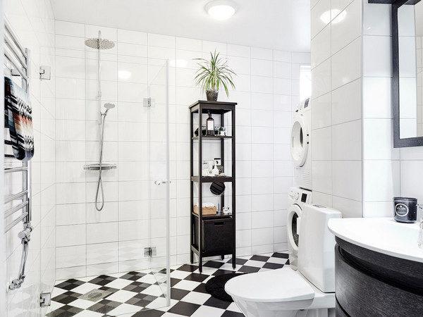 Этажерки в ванной комнате