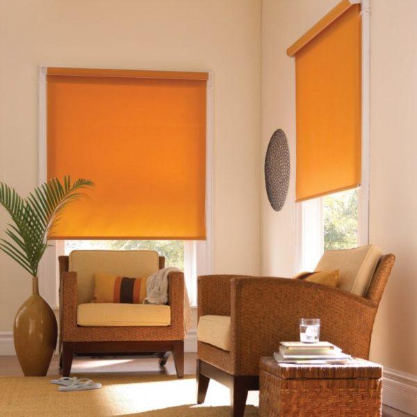Апельсиновые шторы в интерьере